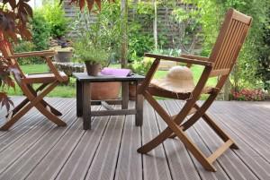 La terrasse en bois, un coin pour se détendre loin de tout